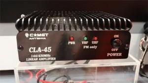 144/430MHz帯リニアアンプのCLA-45。FMハンディトランシーバを手軽にパワーアップできる