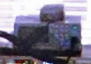 テンキーを装備した、謎の車載無線機のアップ(NHK「あまちゃん」映像より)