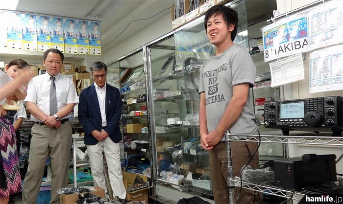 2013年7月8日の開局セレモニーには、JARL、日本無線協会、各メーカーなどの関係者が集まった