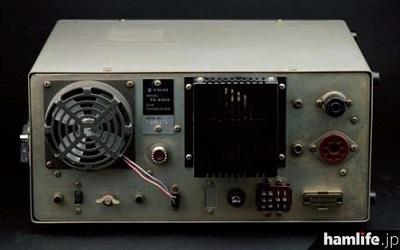 TS-520Xの背面。写真のコレクション品ではオプションだったクーリングファンも装着されている