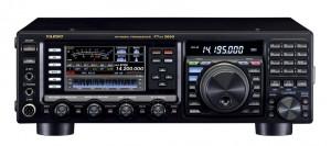 2013年グッドデザイン賞を受賞した、八重洲無線・FTDX3000シリーズ