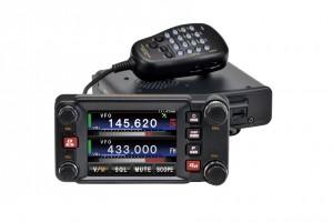 2013年グッドデザイン賞を受賞した、八重洲無線・FTM-400Dシリーズ