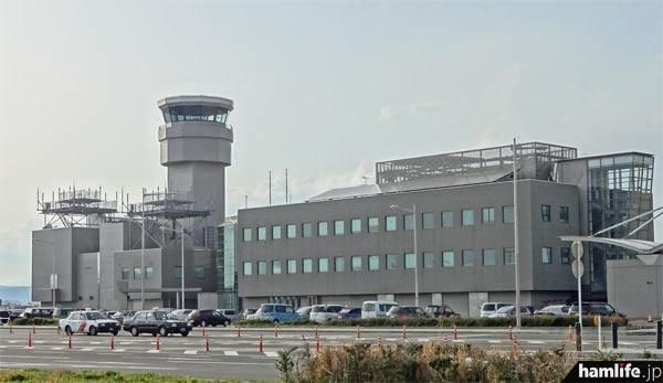 仙台空港の管制塔=2013年4月撮影