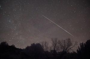 流星でVHF帯の遠距離通信ができる場合がある。 photo:(C)creative commons
