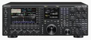 2013年2月末に発売されたJVCケンウッドの最高級無線機「TS-990」