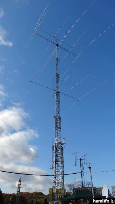 アイコムならやま研究所の巨大アンテナタワー