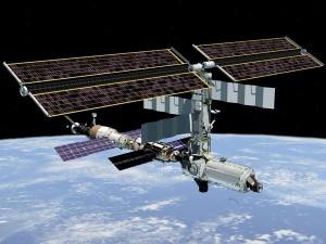 ハム資格を持つ2名の宇宙飛行士が船外活動で修理を行うことになったISS
