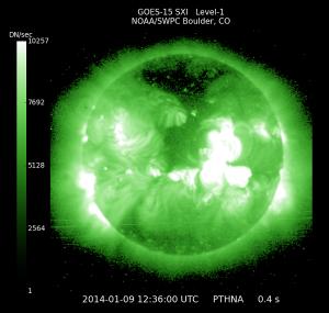 活発な太陽活動が伺える「Space Weather Prediction Center」のWebサイトに表示されている太陽のX画像