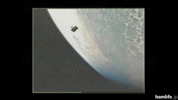 ロケットから分離された超小型衛星のひとつ、ShindaiSat「ぎんれい」(写真提供:JAXA)