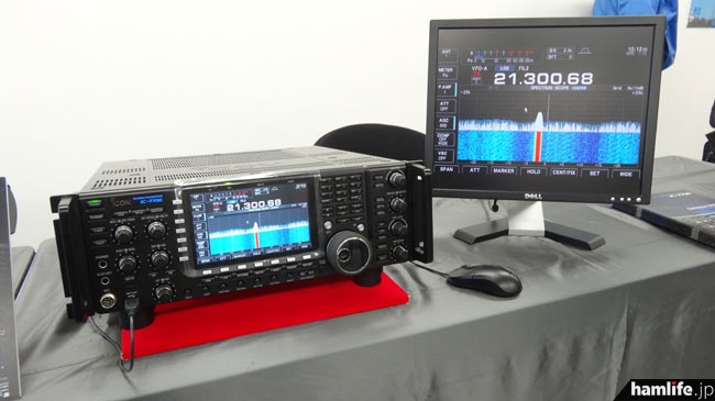 1月30日に発表されたばかりの、IC-7700新機能搭載モデルも初展示