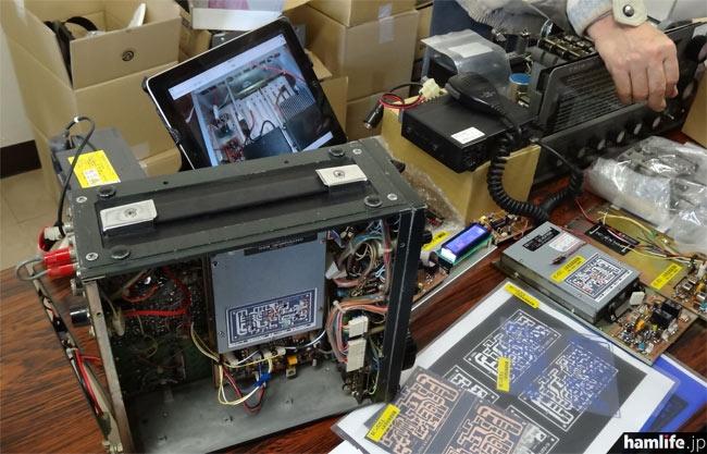 IC-551のAMモード受信を本格的な回路に改造する基板を展示