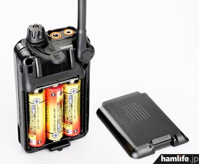 DJ-PB20は単三アルカリ乾電池3本で動作する