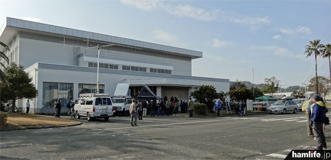 会場となった、福岡県京都郡苅田町の日産自動車九州(株)体育館