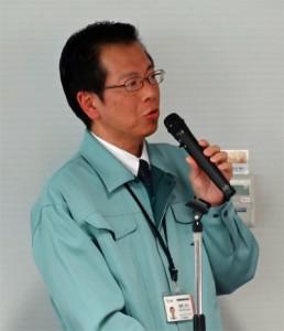 講演をするJS3CTQ・稲葉浩之氏
