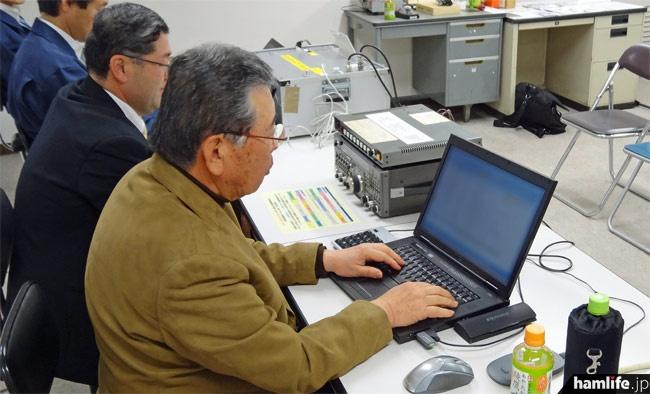 JARLの監査指導委員がガイダンス局を操作してアマチュアバンド内をワッチ。ルール違反の通信を行っている局があると詳細な記録を取ると共に、必要に応じて遵法を呼びかけるメッセージを送信する