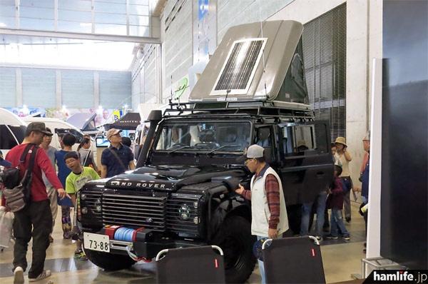 """九州キャンピングカーショー2014で展示された、""""黒""""の無線デモカー"""