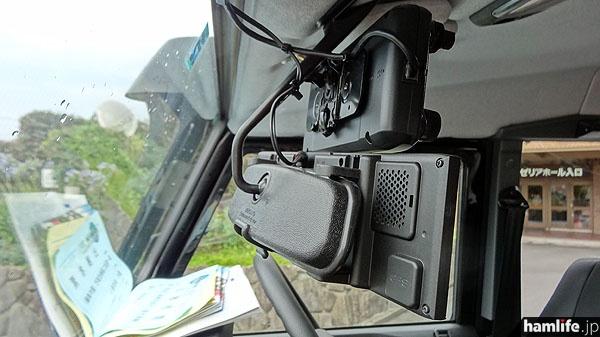 ID-5100操作部の取り付け部分を裏面からチェック
