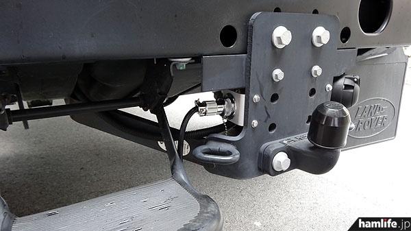 後部バンパー下には外部AC100V入力端子を装備