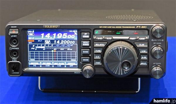 八重洲無線が参考出品したHF~430MHz帯オールモード機のFT-991シリーズ
