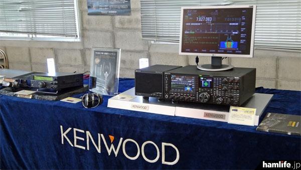 特別試聴商談会が開催された2階特設会場。TS-990のほか、TS-590、TS-480なども実動展示