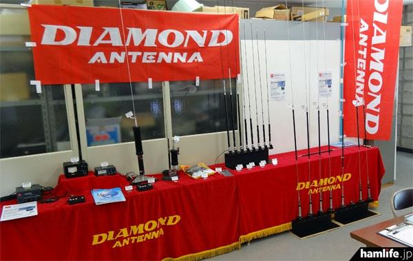 2階特設会場内には第一電波工業もアンテナを展示