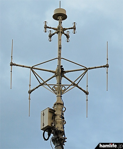 電波監視システム「DEURAS」のセンサ局アンテナも敷地内にあった