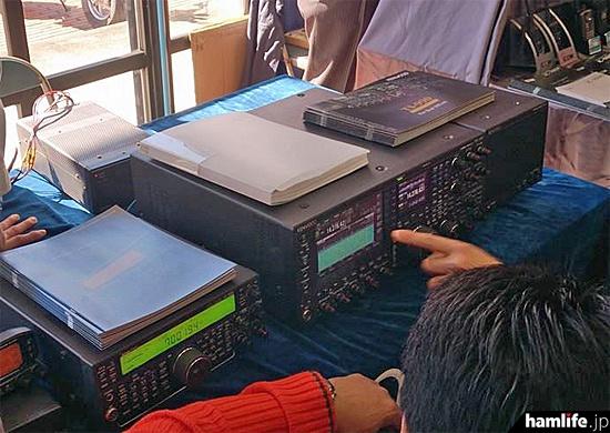 JVCケンウッドのブースではTS-590GやTS-990を実動展示
