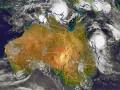 オーストラリア北東部に迫るサイクロン「マーシャ」。同時期、北部には別のサイクロン「ラム」も上陸した