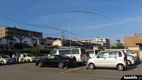 駐車場に出現した2エレ八木