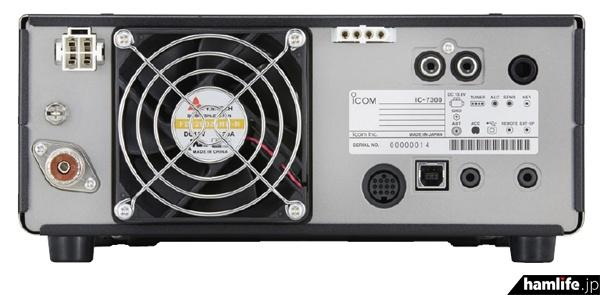 IC-7300の背面(カタログより)