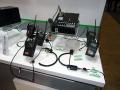 双方向で複数と同時通話も可能なため、用途に応じて何台かの特定小電力トランシーバー(ハンディー型や固定型)を組み合わせ、さらに携帯電話にもダイレクトに接続して通話が行えようにシステム化している