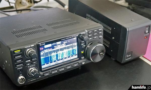大型アンテナが接続されたIC-7300。スコープの表示能力は評価が高かったという