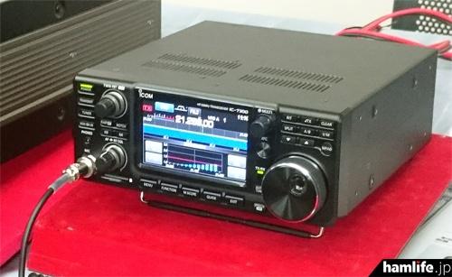 アイコムブースは新製品のIC-7300を展示