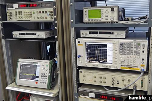 JARD保証事業センターの測定機器の一部。スプリアス実態調査もこれらの機器を使用して測定作業が行われる