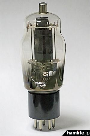 「807」の愛称で知られた真空管、UY-807(写真はイメージで、今回のコンテストで提供されるものではありません)