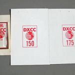 """<たった""""500円から""""スタート>DXCCピンバッジ(CW)とエンティティーが増えると発行されるステッカー2枚がヤフオクに出品される"""