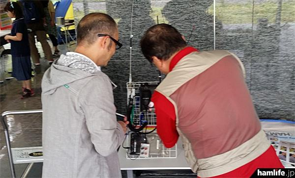 FMカオンアマチュア無線クラブによる展示