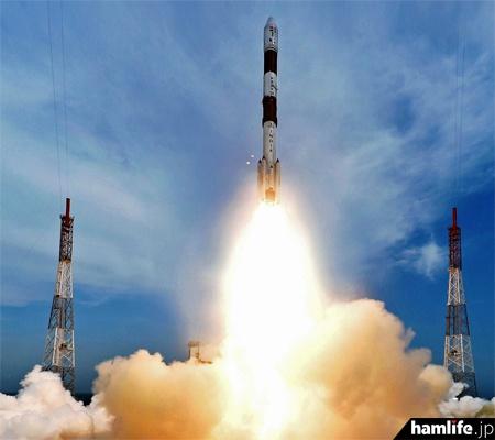 PSLV-C35ロケットの発射シーン(ARRL NEWSより)
