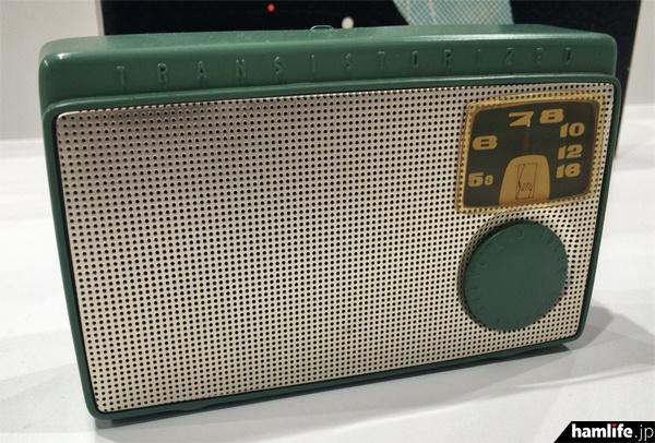 日本初のトランジスタラジオ、TR-55(1955年)