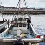 九州総合通信局、福岡県北九州市の漁港において無免許で漁船にアマチュア無線局を開設していた5名(5隻)を電波法違反容疑で摘発